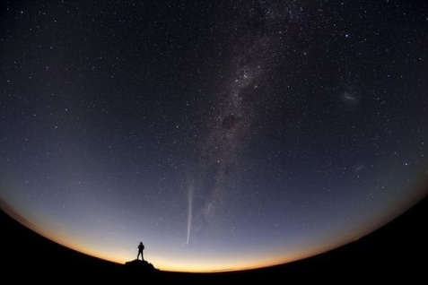 http _jux-user-files-prod.s3.amazonaws.com_2012_12_29_21_44_38_655_0._Jia_Hao_TWAN_best_night_sky_pictures_2012_comet_australia