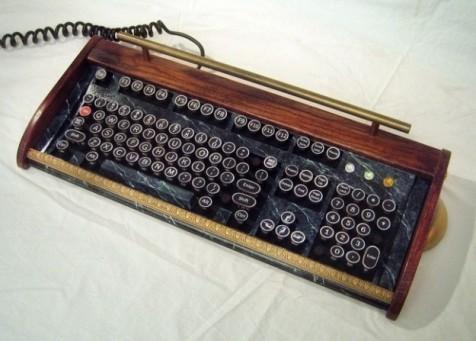 tastiera-computer-con-tasti-retro